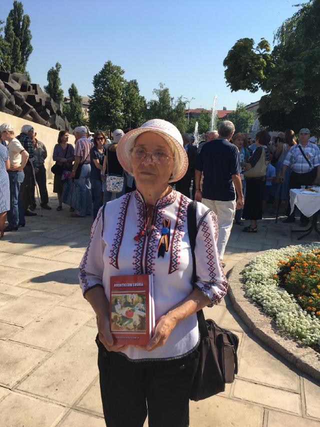 FOTO | Victimele deportărilor staliniste, comemorate la Chișinău
