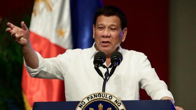 Președintele filipinez a promis că va demisiona dacă cineva îi va putea demonstra că Dumnezeu există