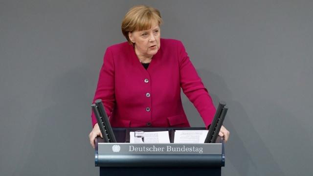 Angela Merkel respinge posibilitatea unei aderări rapide a Georgiei la NATO