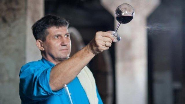 Primul moldovean pus într-o funcţie importantă în cadrul organizaţiei internaţionale a vinului şi viţei-de-vie
