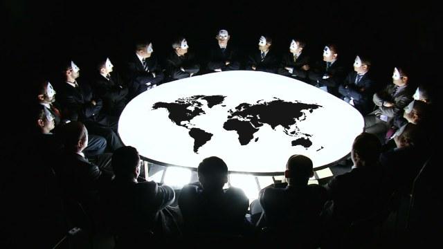 Sondaj   Două treimi dintre ruși sunt convinși că lumea este condusă de un guvern mondial secret