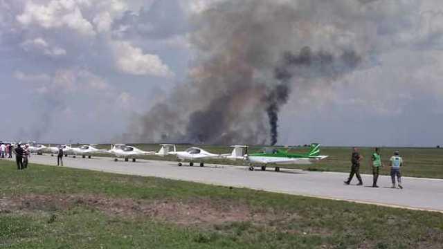 FOTO | Un MIG 21 Lancer s-a prăbușit în timpul unui show aviatic. Ministerul Apărării confirmă decesul pilotului