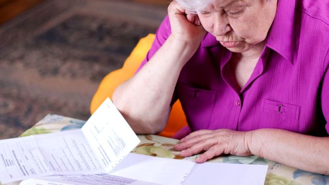 Persoanele care au lucrat sau continuă să muncească după ce au ieșit la pensie vor putea cere un recalcul