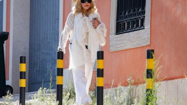 Madonna va plăti 720 de euro pe lună Primăriei din Lisabona pentru cele 15 maşini ale sale