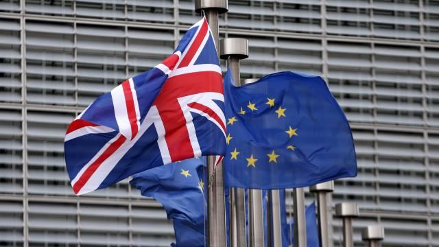 SONDAJ | Alegătorii britanici ar trebui să ia decizia finală asupra Brexitului dacă negocierile cu UE eşuează