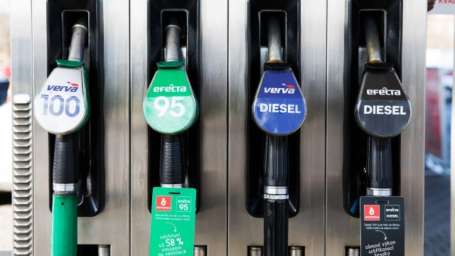 Expert Grup | Revizuirea metodologiei de formare a prețurilor la carburanți, cea mai indicată opțiune