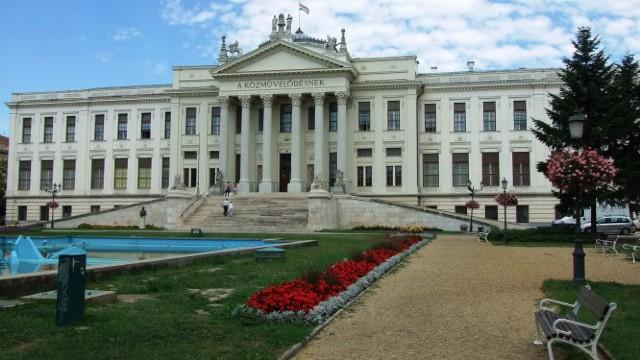 Piese ale tezaurului de aur al României vor fi expuse la Muzeul Móra din Szeged, Ungaria