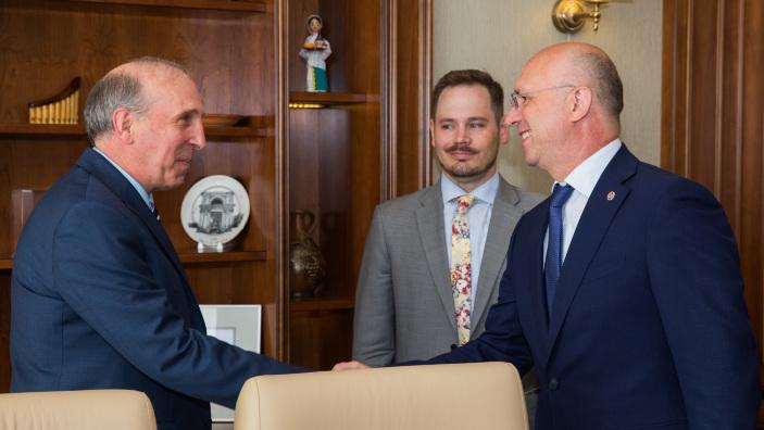 James Pettit a reiterat sprijinul SUA privind avansarea în parcursul prooccidental al R.Moldova