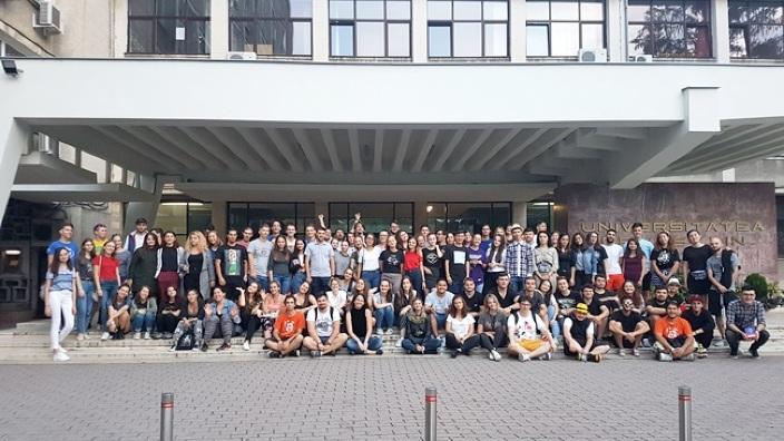 300 de elevi din România și Republica Moldova experimentează în această vară viața de student, la Timișoara