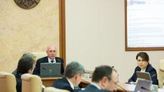 Guvernul revine în ședință după două săptămâni de vacanță. Pe agendă, proiectul privind vacanța bugetarilor