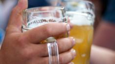 Bere roşie, cu miere şi portocale sau rusească, cu 12% alcool, la festivalul de bere artizanală din Timişoara