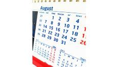 Bugetarii vor avea nouă zile de odihnă în august