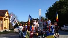 VIDEO | Unioniștii care duc Flacăra Unirii pe traseul Alba Iulia – Chișinău au ajuns la Mărăști