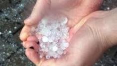 Ploile torențiale cu grindină au provocat pagube în mai multe raioane din R.Moldova