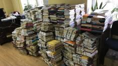 FOTO | Biblioteca Metropolitană București a oferit gratuit 10.000 de cărți Bibliotecii Bogdan Petriceicu Hașdeu din Chișinău