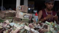 Venezuela se pregăteşte pentru modificarea monedei. Cinci zerouri vor fi eliminate de pe noile bancnote