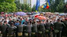OPINIE | Diaspora numeroasă la proteste va fi un semnal de alarmă pentru guvernare