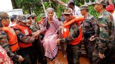 300 de oameni şi-au pierdut viaţa  în urma inundaţiilor în statul indian Kerala