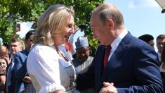 """Putin a achitat din bani publici corul căzăcesc - cadoul său """"privat"""" la nunta ministrului austriac de Externe (FOTO)"""