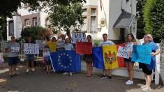 Rezoluție | Moldovenii din diaspora cer demisia CEC și anularea sistemului electoral mixt