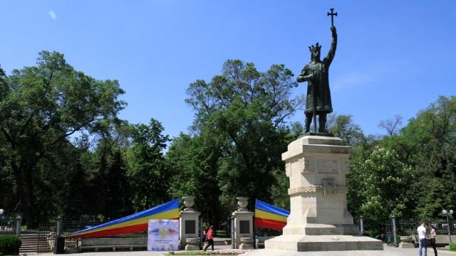 Scurtă istorie a monumentului lui Ștefan cel Mare și Sfânt și a rolului acestuia în Mișcarea de Eliberare Națională din anii 90