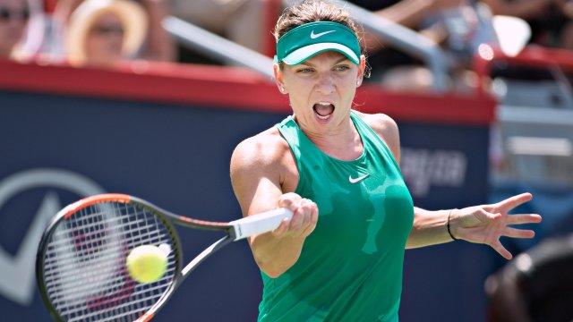 Tenis | Simona Halep s-a calificat în semifinalele turneului WTA de la Montreal, cu o victorie în faţa Caroline Garcia