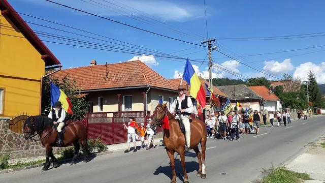 Participanții la Marșul Centenarului au parcurs peste 700 de km și vor trece Prutul pe 26 august