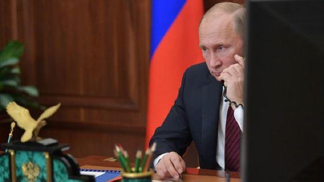 Putin și Macron au discutat despre sprijinirea procesului de revenire a refugiaților în Siria