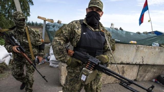 """Estonia denunță """"agresiunea continuă a Rusiei'""""și ajută Armata Ucrainei cu mii de pistoale"""