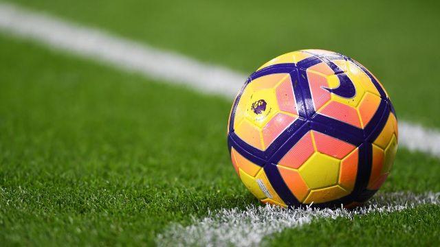 În școli vor fi introduse ore de fotbal