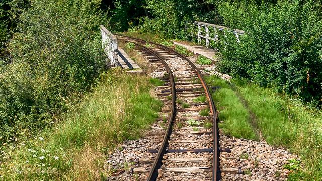 Rusia | Un bărbat a furat 275 de tone de metal de la liniile de cale ferată doar cu ajutorul câtorva unelte