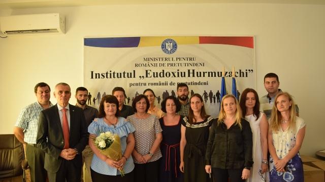 """Directorul adjunct al liceului """"Lucian Blaga"""" din Tiraspol, premiat de Institutul """"Eudoxiu Hurmuzachi"""" pentru promovarea identității românești în regiunea transnistreană"""