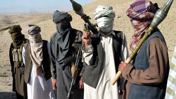 Președintele Afganistanului anunţă un armistiţiu cu talibanii