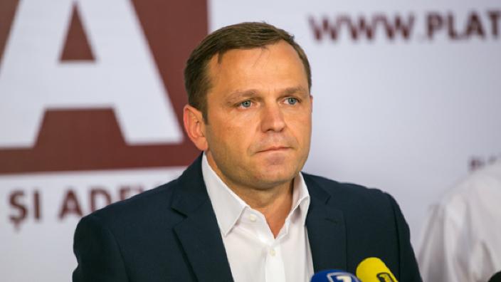 Mesaje care îndeamnă la violență și instigă la război civil pe un profil fals al lui Andrei Năstase. Platforma DA cere implicarea oamenilor legii
