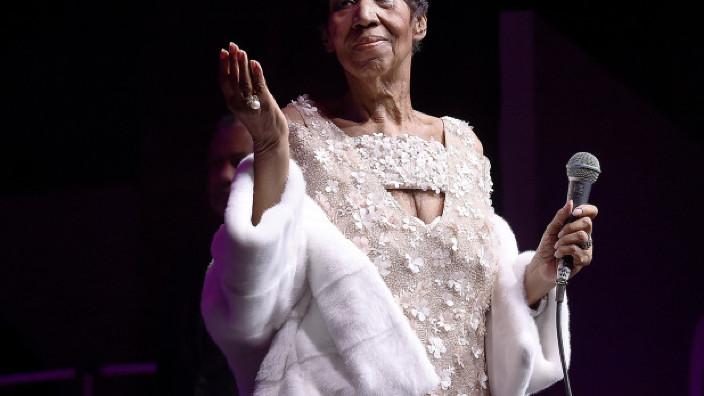 Aretha Franklin, prima femeie inclusă în Rock and Roll Hall of Fame, a încetat din viaţă la vârsta de 76 de ani