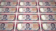 Continuă căutările containerului cu bancnote liberiene proaspăt tipărite