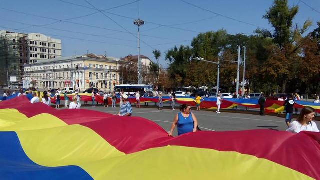 """""""Un tricolor de 101 metri la 101 ani de la Unirea Basarabiei cu România"""""""