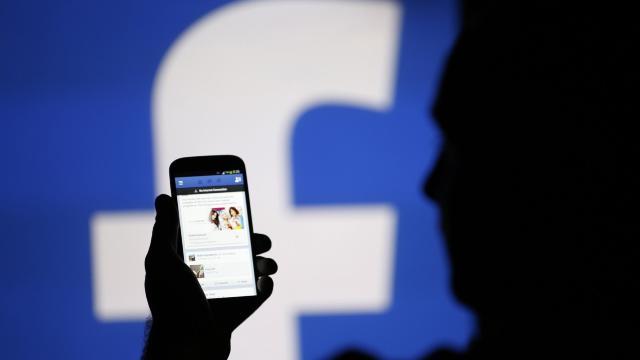 Facebook are UN MILION de utilizatori în Republica Moldova. Numărul acestora s-a dublat în trei ani