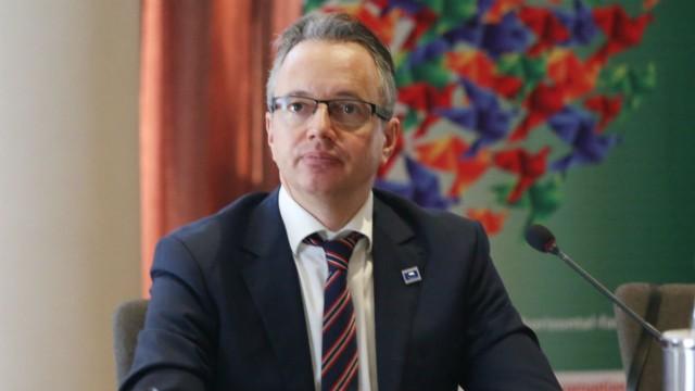 diplomatul german claus neukirch în calitate de Șef al misiunii osce