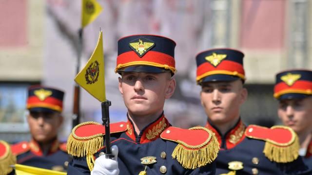 FOTO | Ziua Armatei Naționale, cu ușile deschise pentru vizitatori la Ministerul Apărării