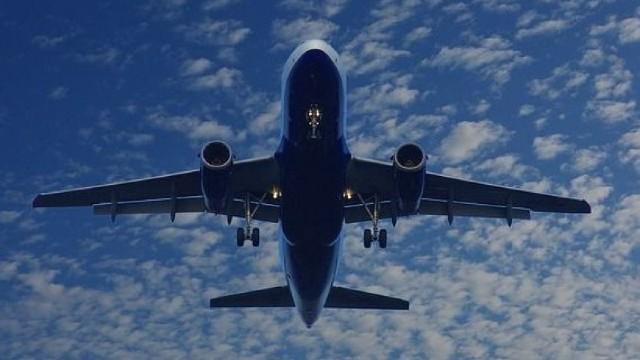O nouă premieră în Arabia Saudită | O companie aeriană angajează femei copilot din regat