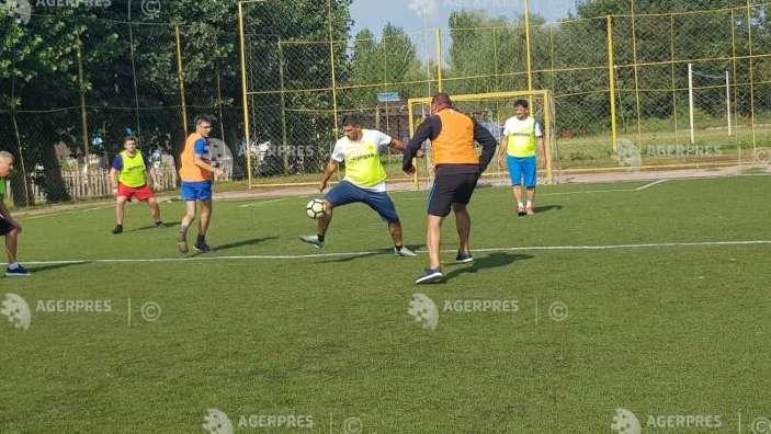 Centenar | Meci de fotbal între selecţionatele primarilor de comune de pe ambele maluri ale Prutului