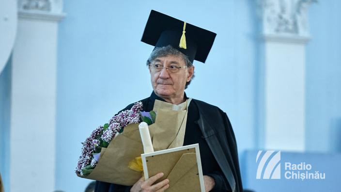 FOTO | Actorul Ion Caramitru a primit titlul de Doctor Honoris Causa în sala în care acum o sută de ani Sfatul Țării a votat Unirea