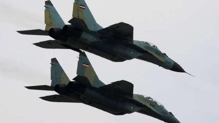 Iranul întreprinde exerciţii militare în Golf, avertizându-şi duşmanii că vor primi 'o replică zdrobitoare'