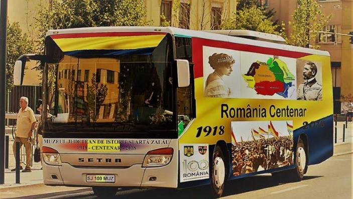 Centenarul Marii Uniri | 100 de ani de istorie pe roţi, cu un autobuz-expoziţie prin judeţul Sălaj