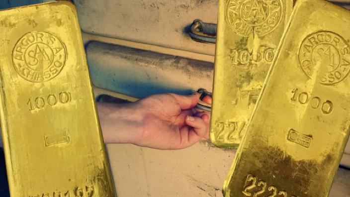 Un bărbat din Germania a predat autorităţilor trei lingouri de aur, găsite într-un dulap achiziţionat la mâna a doua