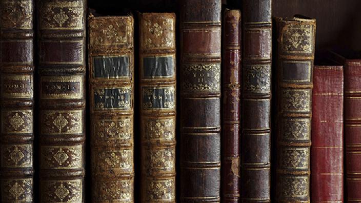 Istoria la pachet | Istoria cărții românești
