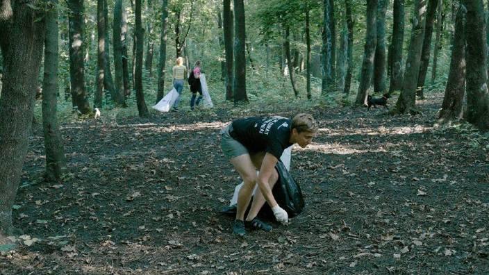 Pauza de cafea | Voluntarii Hai Moldova au colectat mii de saci de gunoi din sute de localități