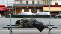 Persoanele fără adăpost nu vor mai avea voie să doarmă în spaţiul public, în Ungaria