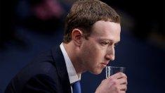 Mai mulţi acţionari ai Facebook susţin înlăturarea lui Mark Zuckerberg din funcţie